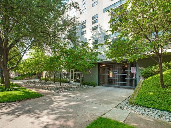4411 Bowser Ave Unit 109 - Exterior Photo