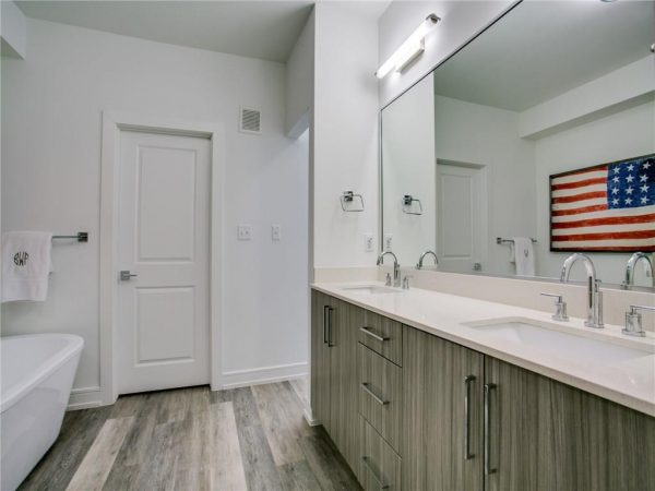 5718 McCommas Property Listing