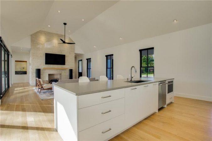 3974 Durango Modern Property Listing