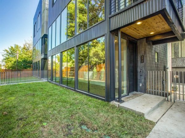 Modern Dallas Townhome Listing