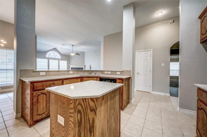 Red Oak For Sale Property Listing