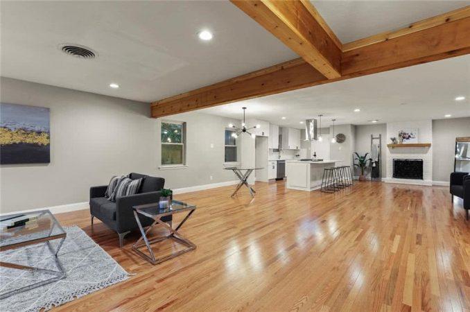 8443 Swift Property Listing