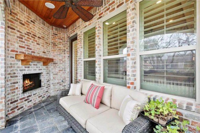 6809 Casa Loma - Modern Living Real Estate