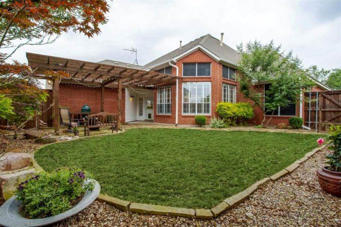 4548 Saint James - Property Listing