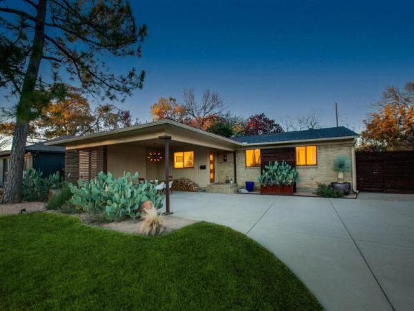 634 Dumont Dr - Property Listing