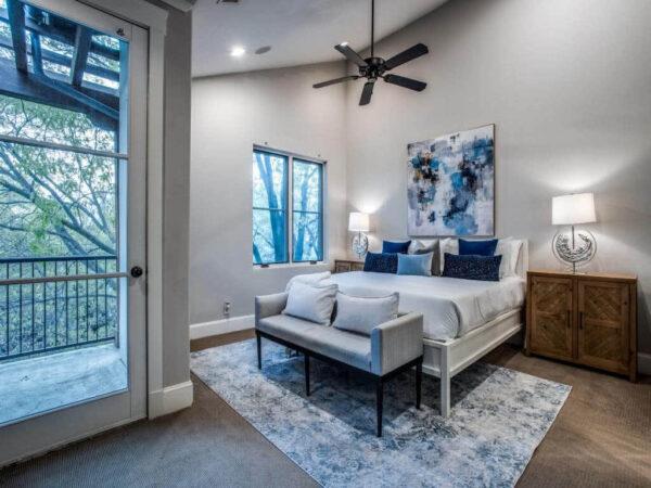 Oak Lawn Condominium for Sale