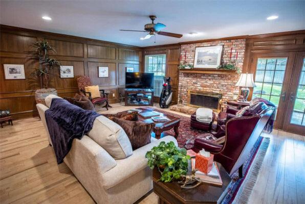 Modern Living Real Estate Property Listing