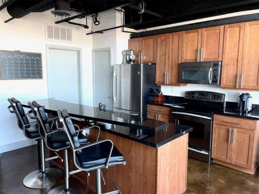 Property Listing: 3110 Thomas Avenue #707