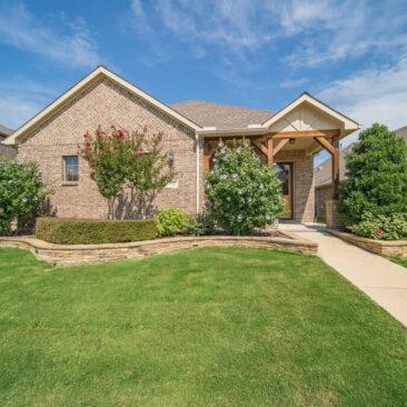 5712 Eagle Mountain Dr, Denton, TX 76226