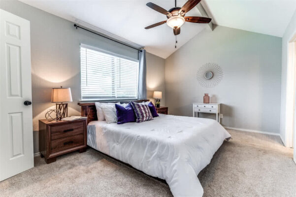 Modern Living Group Listing: 3803 Brookfield Dr